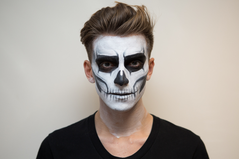 Skeleton makeup men